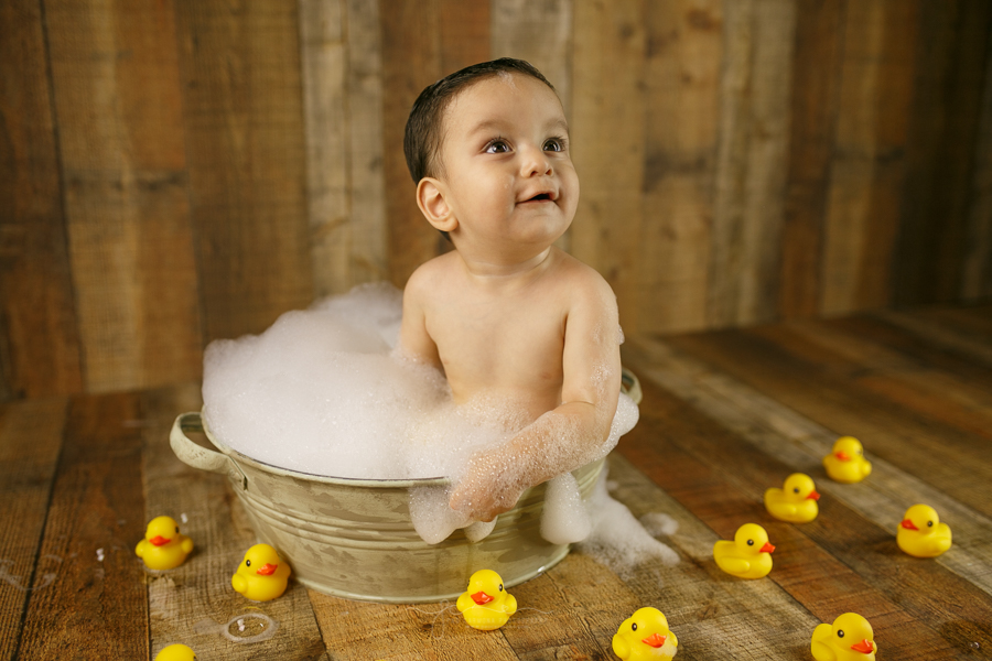 photography-brownsville-pao-carmona-bubble-bath-one-year-emiliano-1