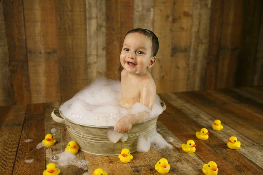 photography-brownsville-pao-carmona-bubble-bath-one-year-emiliano-2
