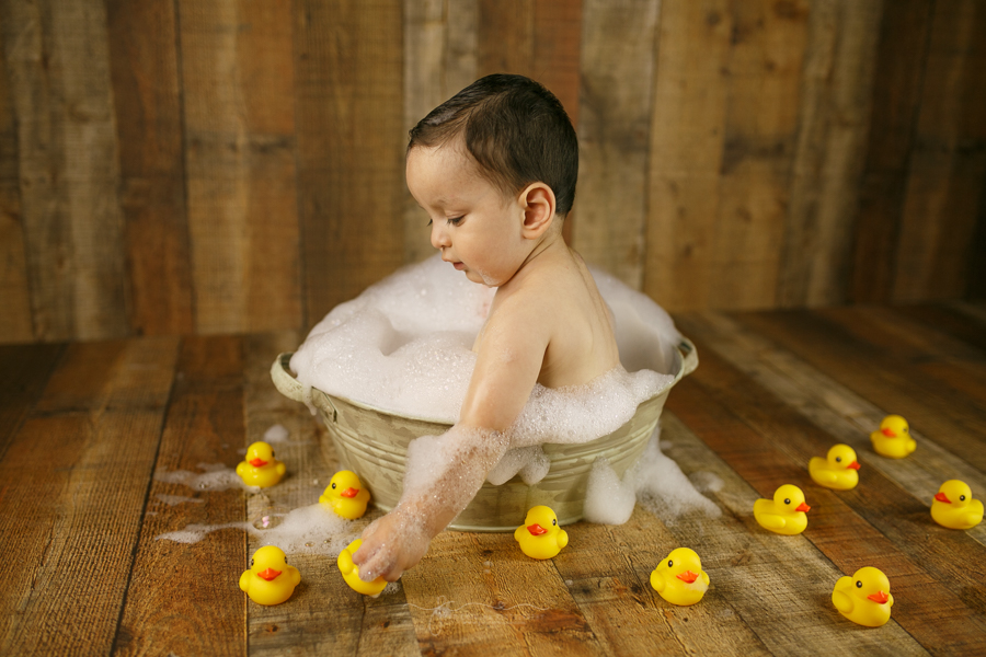 photography-brownsville-pao-carmona-bubble-bath-one-year-emiliano-3